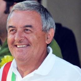 «Una vita spesa per i più deboli»  Barzago, addio al sindaco Mario Tentori
