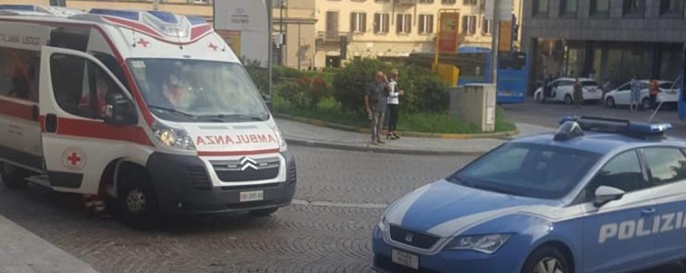 Botte in stazione a Lecco  Un ragazzo in ospedale