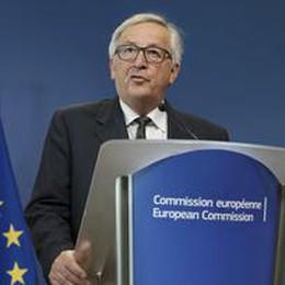Juncker convoca vertice informale domenica su migranti