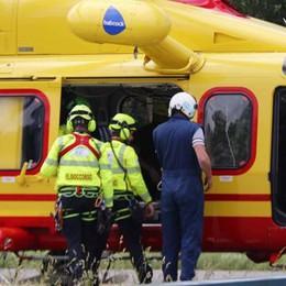 Introbio, rovinosa caduta sulla mulattiera  Ciclista soccorso con l'elicottero