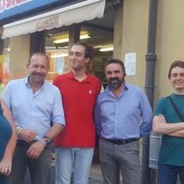 Aggredito nel market «Presto giro di vite»  promette il senatore a Olgiate