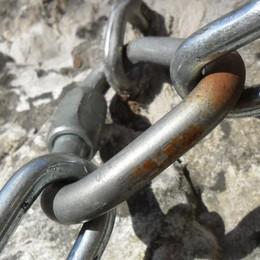 L'anello dei sentieri bocciato dagli Alpini  Goretti: «È una porcheria»