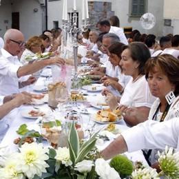 La cena in bianco    arricchita dal gran ballo