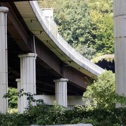 Milano-Colico, la super  dei molti viadotti  Dove viaggia la paura