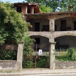 L'area Corti cade a pezzi  Il Comune cerca fondi