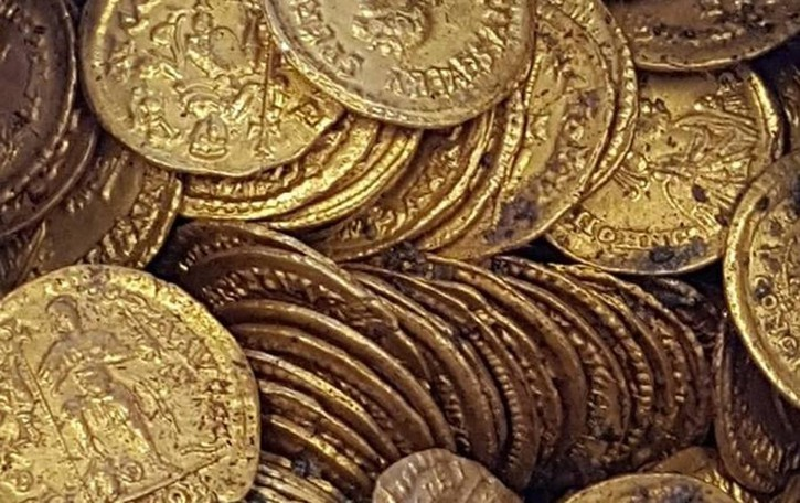 Le monete romane ritrovate  «Como nasconde tanti altri tesori»