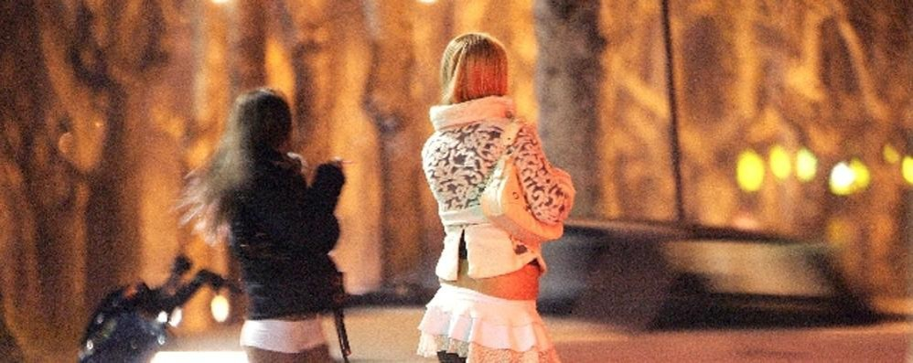 Sfruttamento della prostituzione  Blitz della polizia, 23 arresti nel Comasco