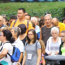 Lecco, duemila in marcia   con Don Lisander