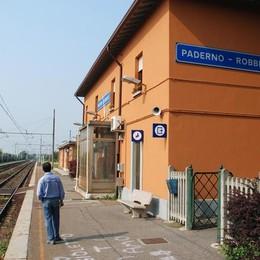 Adolescente accoltellato  alla stazione ferroviaria di Paderno