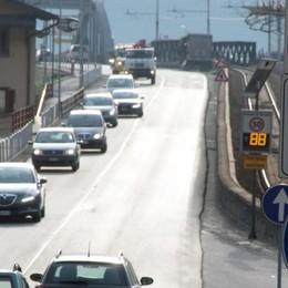 A Verceia statale come un'autostrada: «Velocità inaudite»