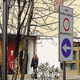 Piazza Sironi sarà a misura di disabile  «Verranno tolte tutte le barriere»