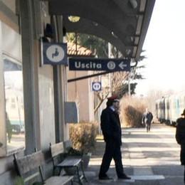 Minacciato con una siringa in stazione Gli rapinano 400 euro in contanti