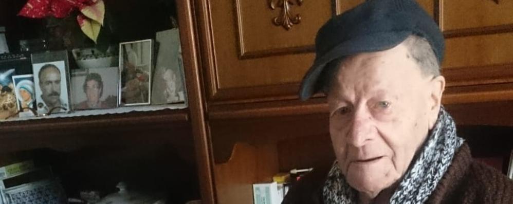 Esino, Sopravvissuto ad Auschwitz  Medaglia d'onore a Giuliano Maglia