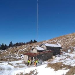 Siccità e gelo, Artavaggio all'asciutto  L'acqua portata in quota con l'elicottero