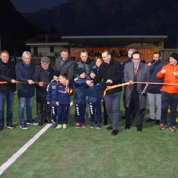 """Nuovo campo da calcio sintetico  Parata di vip per il """"battesimo"""""""