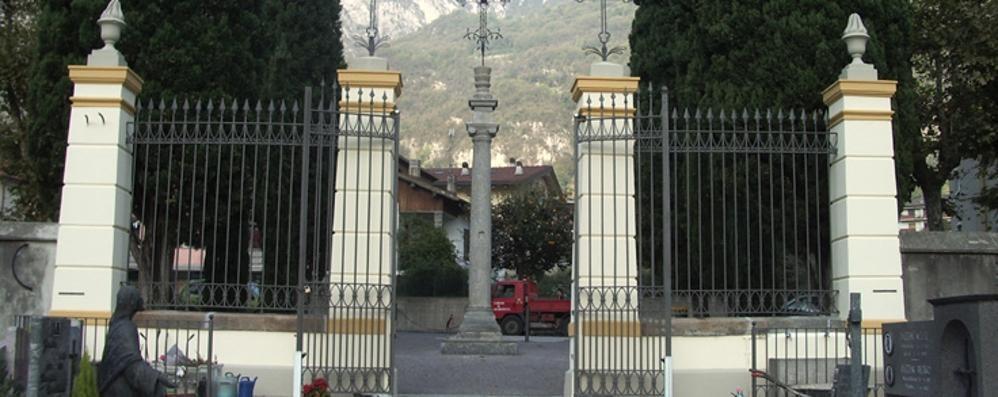 Valmadrera, ladri senza pietà  Furti di fiori al cimitero