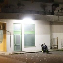 Lecco, paura in stazione a Maggianico  La sala d'attesa chiusa per danni
