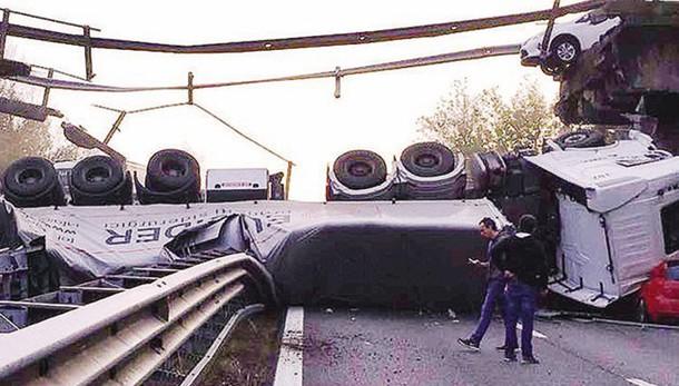 Annone, il crollo del ponte  Chiesto il processo per cinque indagati