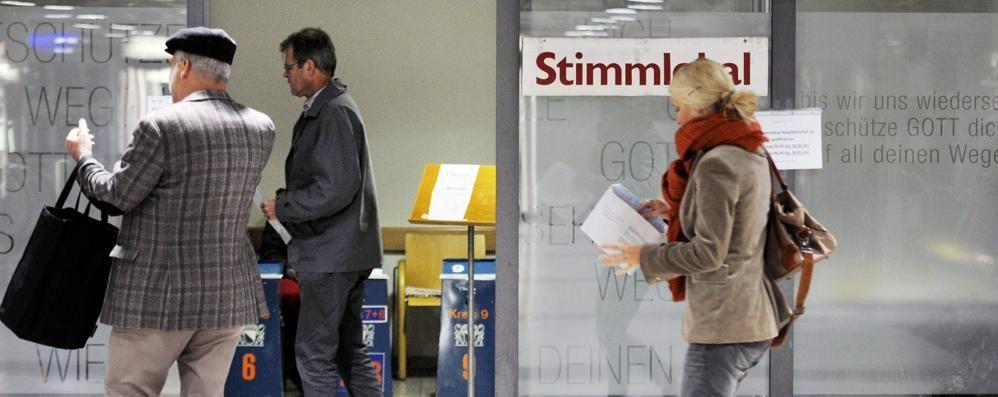 Elezioni Svizzera, vince l'onda verde   I frontalieri fanno meno paura