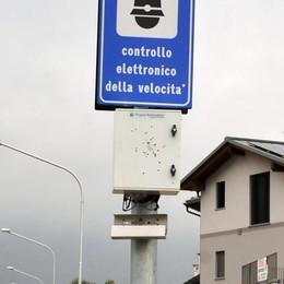 Fucilate all'autovelox di via Volta  «Tutti condannino questo gesto»