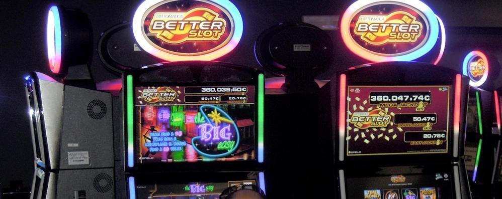 «No all'ampliamento della sala slot»  Eupilio si gioca 20 milioni all'anno