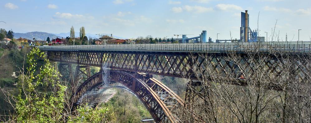 Paderno, promessa mantenuta,   venerdì riapre il ponte