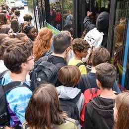 Bus, nuove denunce  «Odissea quotidiana  e non cambia nulla»