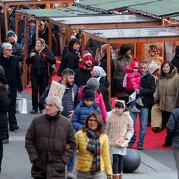 Natale senza villaggio  Ecco le luci degli Amici di Lecco