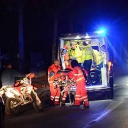 Cade dalla moto a Valmadrera  Paura per una sedicenne