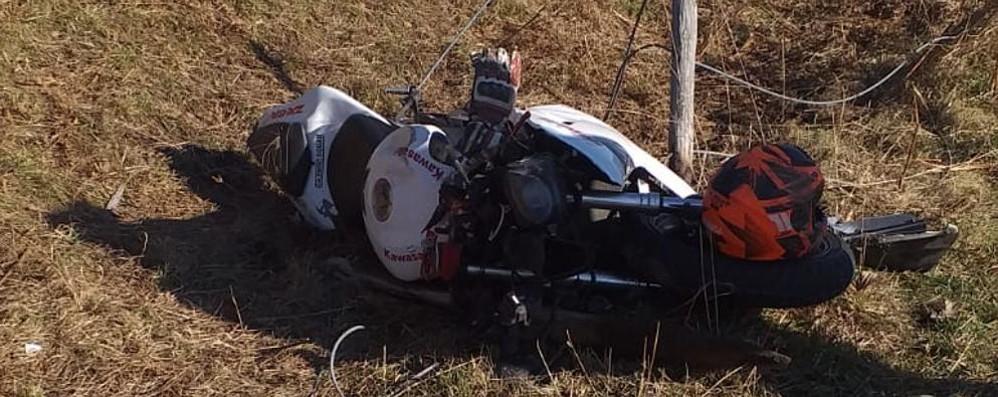 Fuori strada al Pian del Tivano Motociclista soccorso con l'elicottero