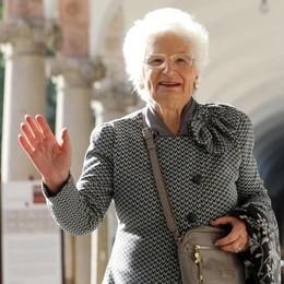 Il Consiglio di Olginate batte tutti  Cittadinanza onoraria a Liliana Segre
