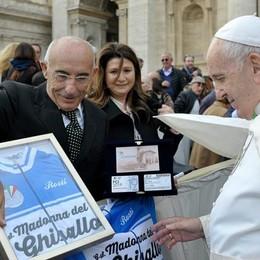 Il Papa presidente del Ghisallo  «Questo è l'anno dei record»