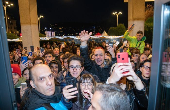 Como folla per la Youtuber Follettina che si rifugia all'interno dell'Hotel Barchetta