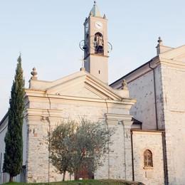 Le campane hanno ottant'anni  Si festeggia con l'arcivescovo