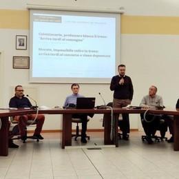 """Osnago: «Nuova gara per le ferrovie»  Cittadini e sindaci """"liquidano"""" Trenord"""