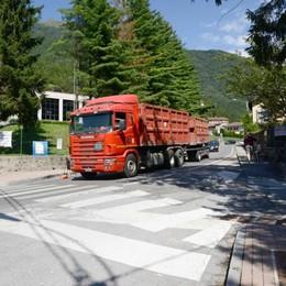 «Via il traffico della Sp 62 da Primaluna  A gennaio faccia a faccia in Provincia»