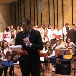 """Il coro e l'orchestra della """"Manzoni""""   A Calolzio un concerto da applausi"""