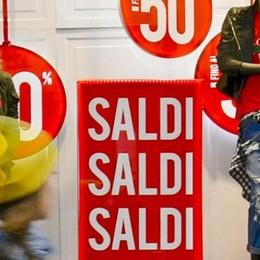 Lecco. Shopping, per i prezzi    iniziata la corsa al ribasso