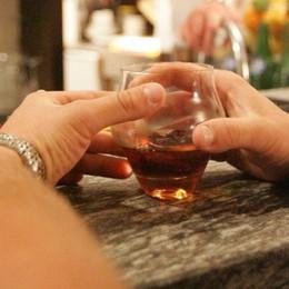 Troppo alcol e si sentono male: in ospedale molti ragazzini