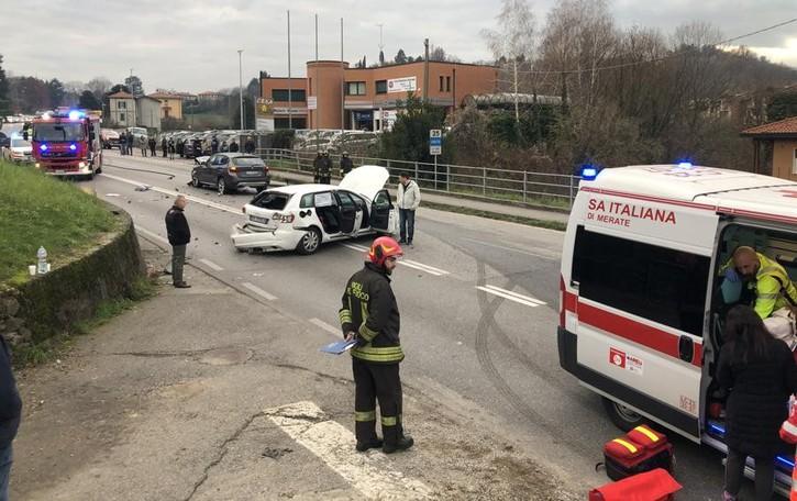 Incidente a Calco, cinque feriti  Sp342 bloccata traffico in tilt