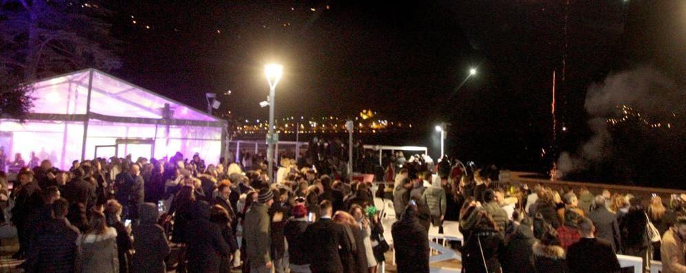 Menaggio, discoteca  Lido senza licenza  e dipendenti  in nero: multa da 20mila euro