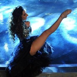 Simona Atzori, la danza oltre i limiti  E a Saronno porta anche libro e mostra