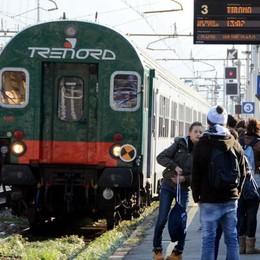 Prima il guasto, poi anche l'incendio   Giornata di caos sulla Milano-Tirano