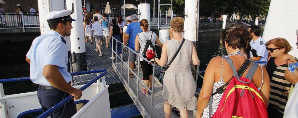 Lecco, turisti tedeschi sul lago  In estate si annuncia il boom