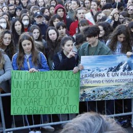 Lecco, gli studenti per l'ambiente  «Pieni di energia per il nostro futuro»