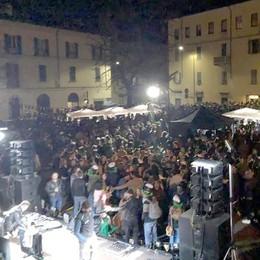 Lecco, birra, cornamuse ed elfi  Tutti pazzi per San Patrizio