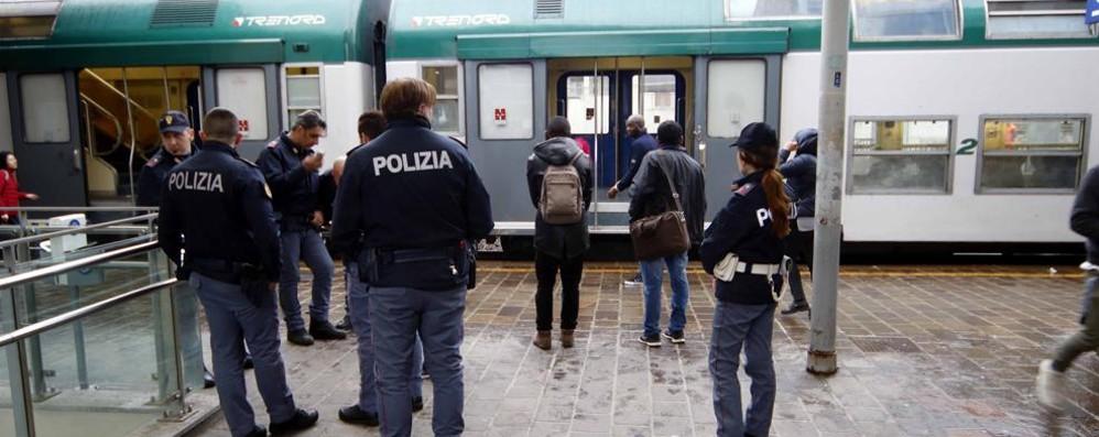 «Una stazione piena di problemi  Lecco va chiusa di notte»