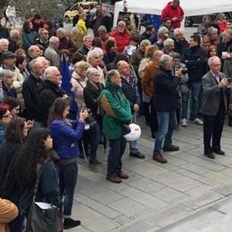 Calolzio: «Noi    in piazza contro le zone rosse»