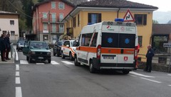 Donna incinta travolta da un'auto  Corsa in ospedale per il bambino