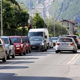 Mandello, Treni e car sharing  Nasce il comitato contro il traffico